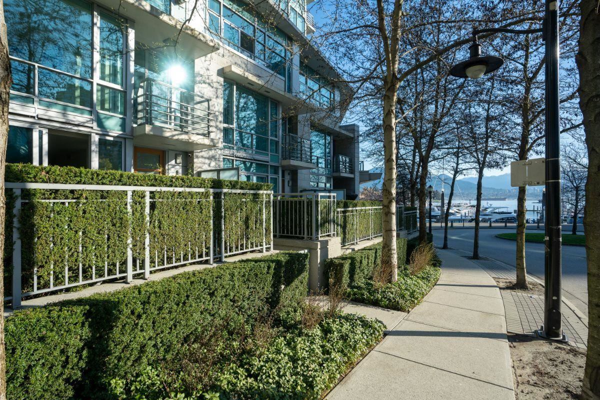 495 BROUGHTON STREET, Vancouver West