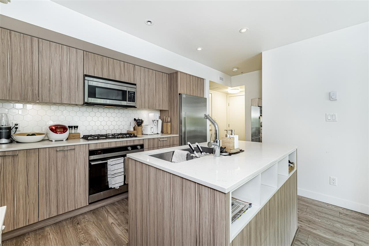 Listing Image of 214 1061 MARINE DRIVE