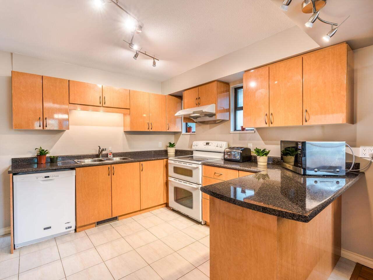 4053 FIR STREET, Burnaby South