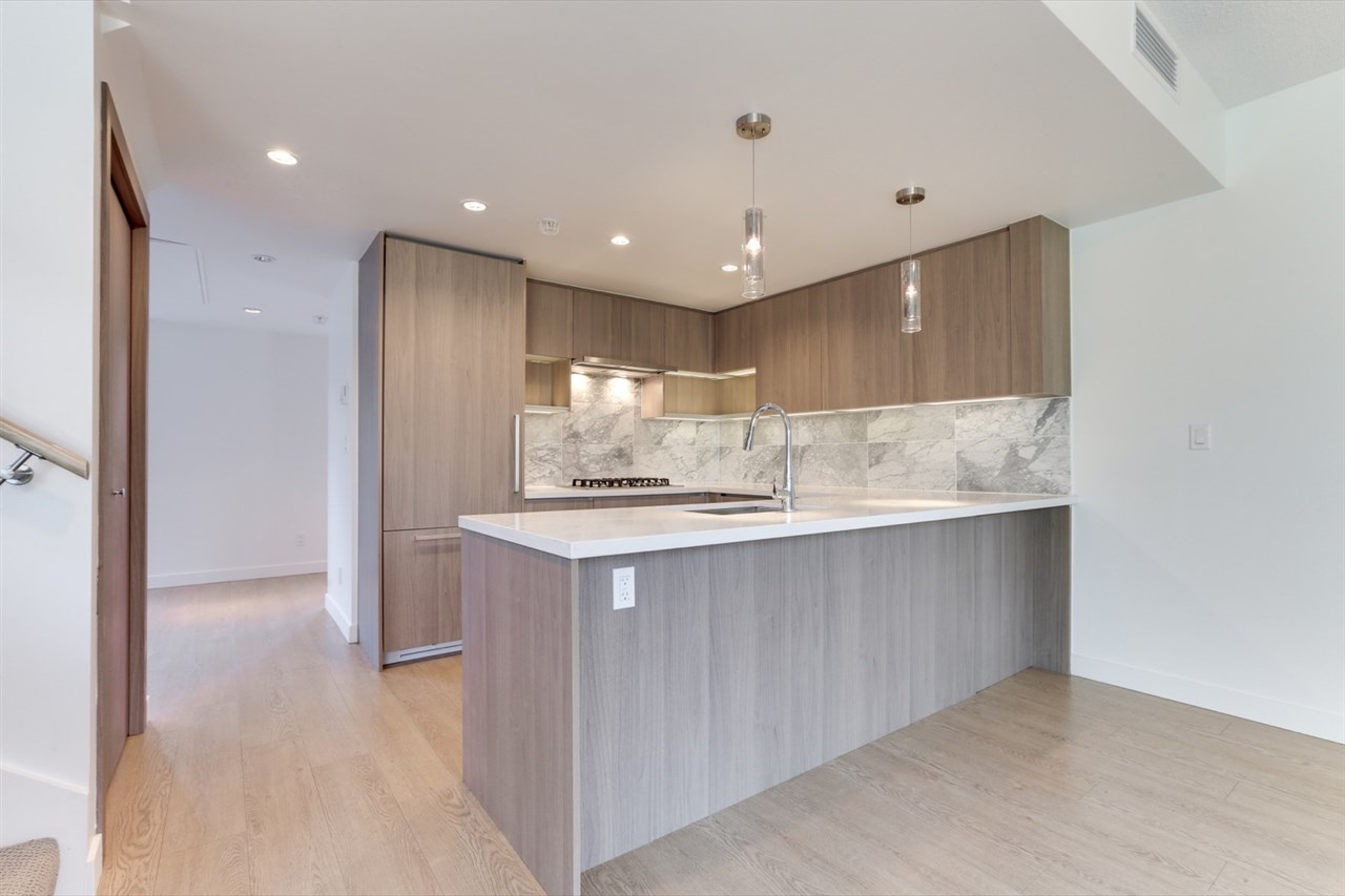6518 NELSON AVENUE, Burnaby South