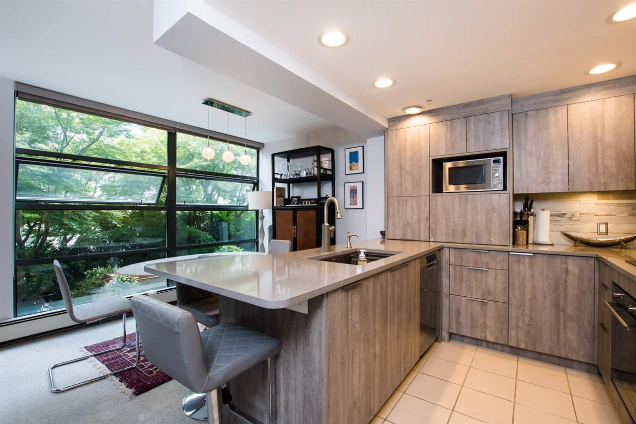 213 1688 ROBSON STREET, Vancouver