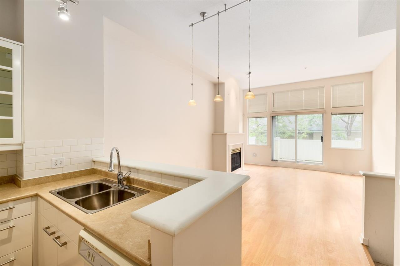 3 3596 WHITNEY PLACE, Vancouver East