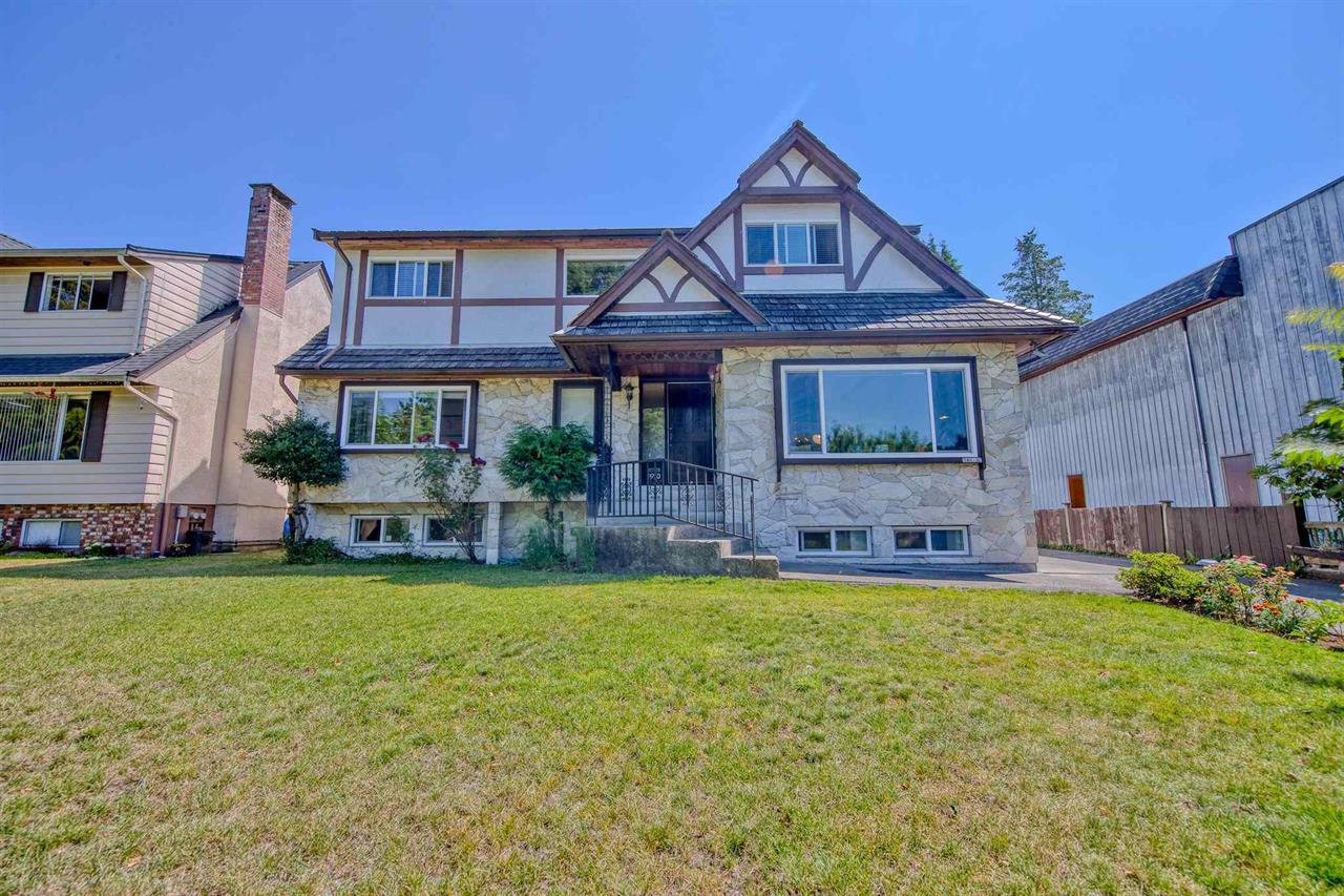 1590 GILES PLACE, Burnaby North