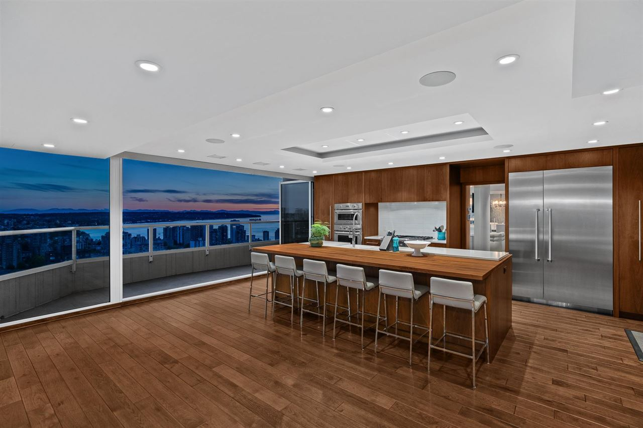 West End VW Apartment/Condo for sale:  5 bedroom  (Listed 2021-09-01)