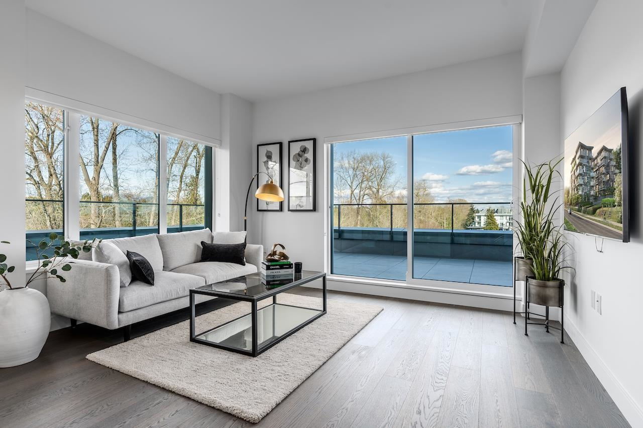 Oakridge VW Apartment/Condo for sale:  3 bedroom  (Listed 2021-08-30)