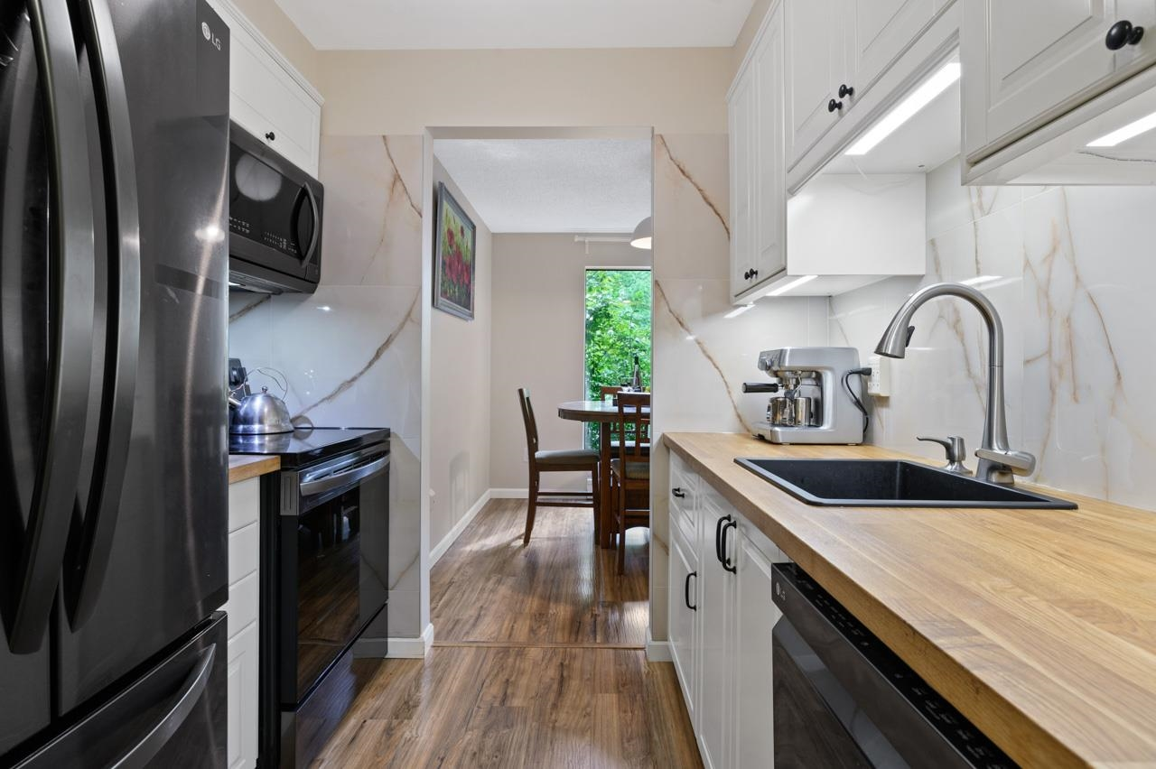 3 385 GINGER DRIVE, New Westminster