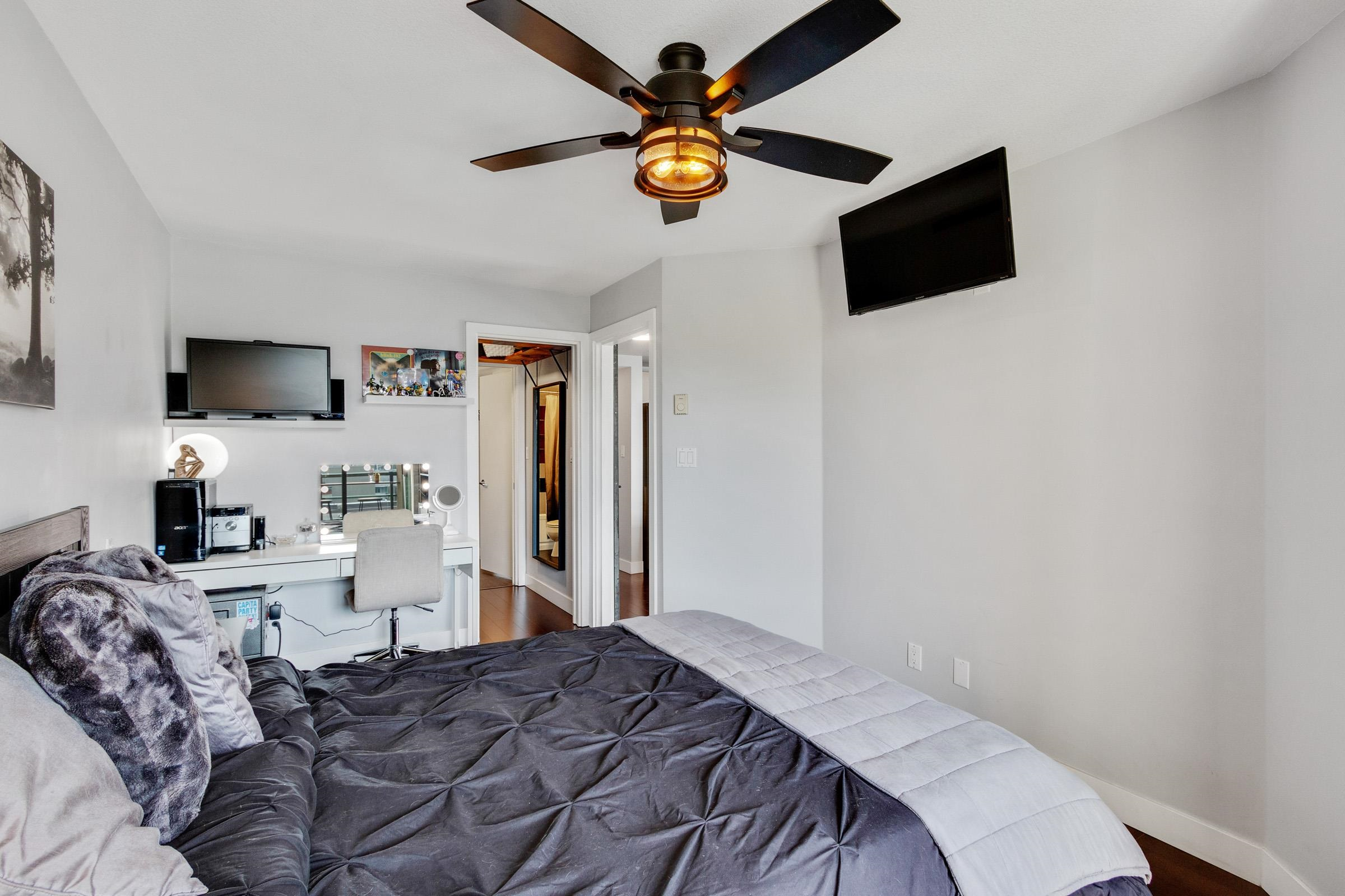 Listing image of 405 212 LONSDALE AVENUE