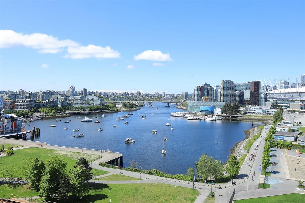 1405 120 MILROSS AVENUE, Vancouver