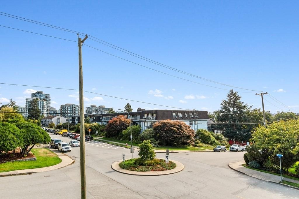 Listing image of 207 308 W 2ND STREET