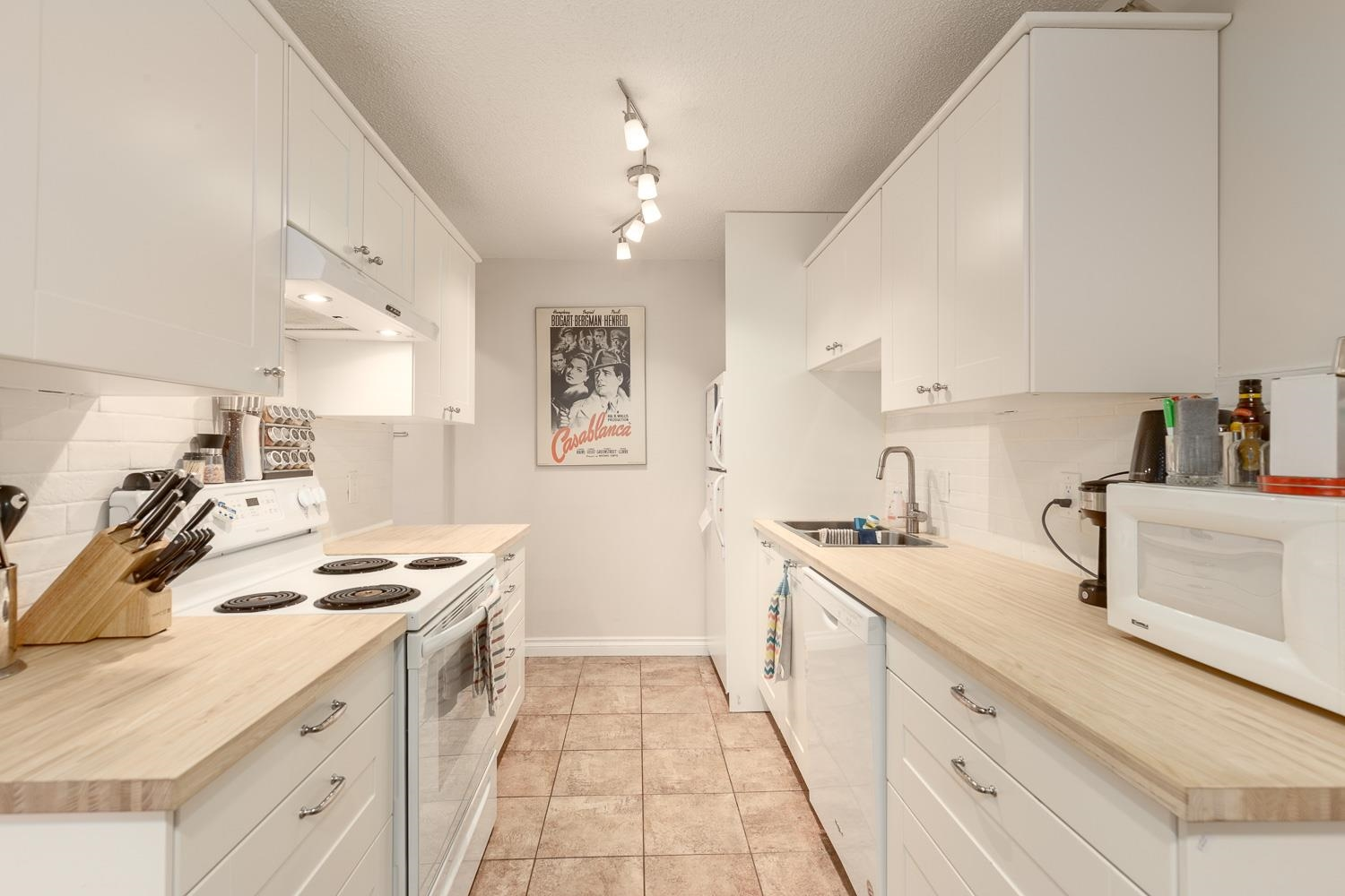 Listing image of 114 211 W 3RD STREET