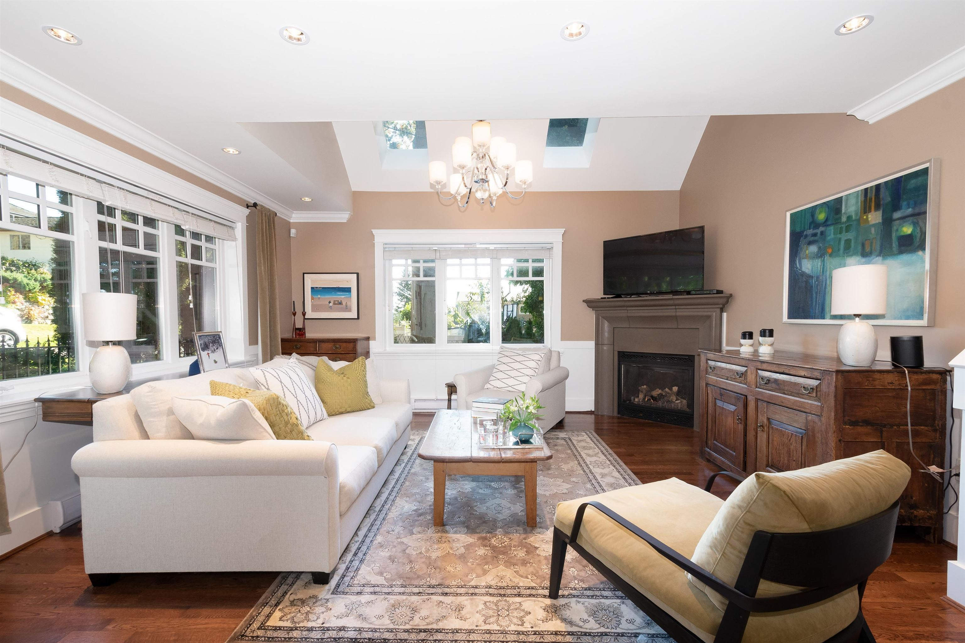 Listing image of 3359 CHESTERFIELD AVENUE