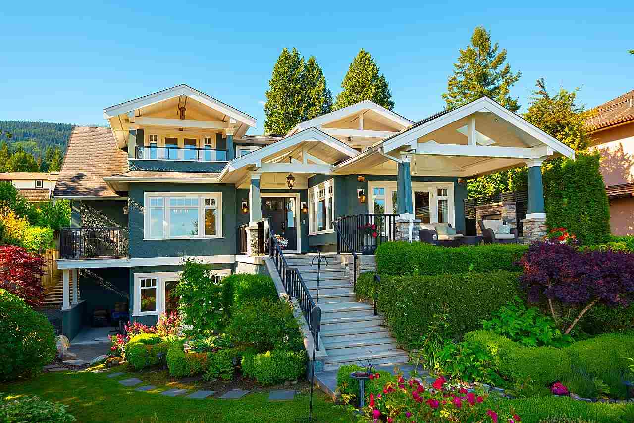 Dundarave House/Single Family for sale:  4 bedroom 4,377 sq.ft. (Listed 2021-10-14)